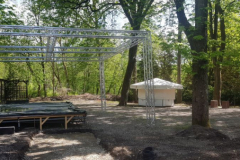 Bühne und Pavillon